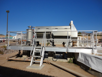 Side view of a Hycor ThickTech Rotary Drum Thickener