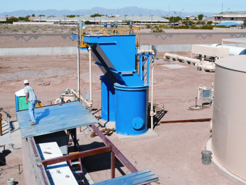 Lamella Gravity Settler/Thickener (LGST) with thickener tank at bottom
