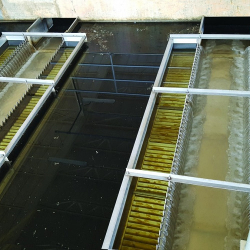 Final effluent trough with V-notch effluent weir